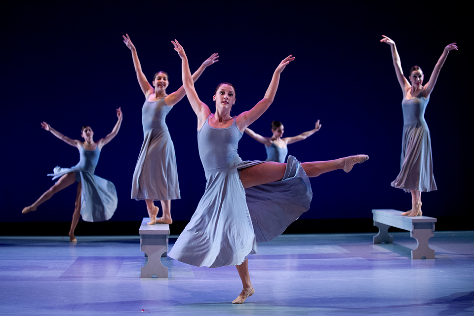 ballet dancers on stage - photo #13
