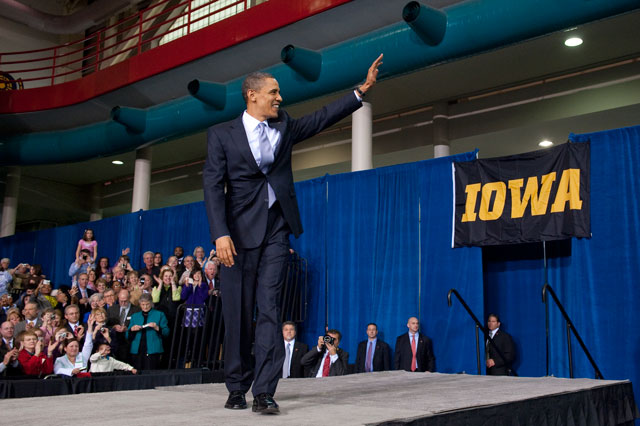 President Obama speaking on the UI campus
