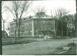 Exterior shot of Currier Hall, 1915