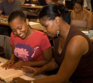 Undergraduate student works with faculty mentor
