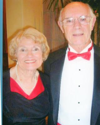 photo of Dale and Roberta Buhl