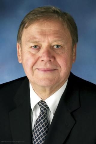 Chet Rzonca, associate provost and dean of the UI Division of Continuing Education