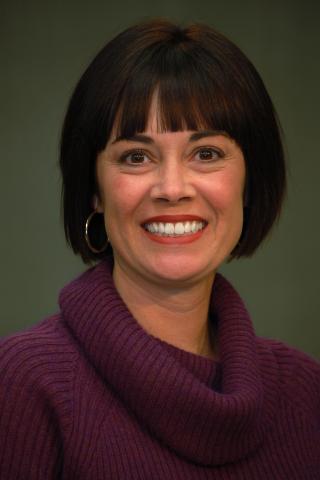 Portrait of Dr. Liz Hollingworth