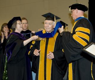 Robert Ray receives honorary degree