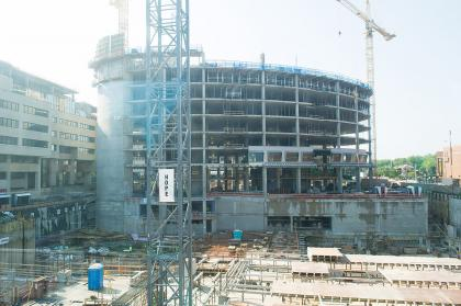 UI Children's Hospital under construction