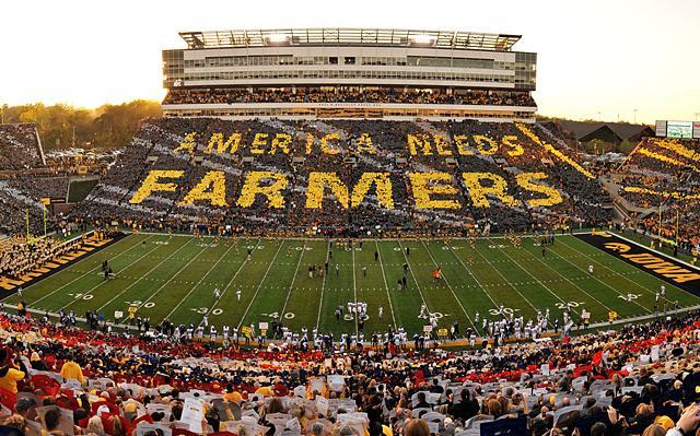 America Needs Farmers card stunt at Kinnick Stadium