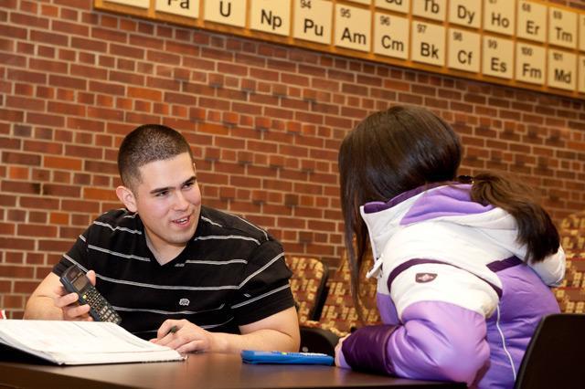 Alfredo Garcia tutors Elizabeth Ayala