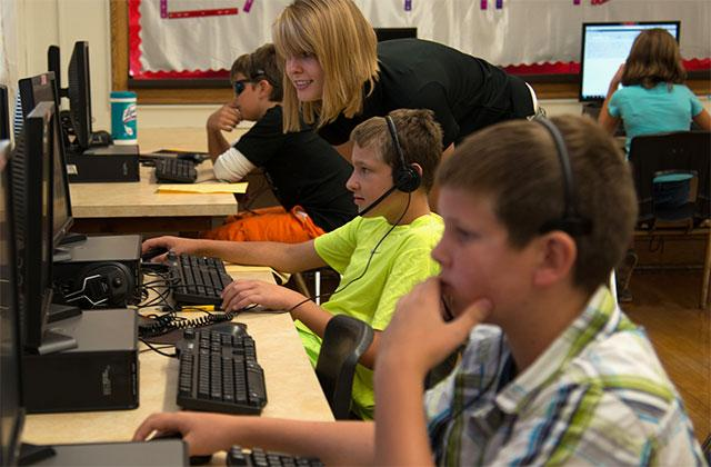 Roosevelt Middle School students learning to use assistive technology tools.