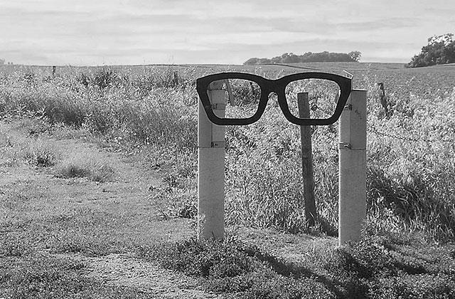 buddy holly memorial, glasses