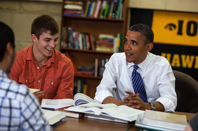 President Obama meeting with UI students for a roundtable discussion