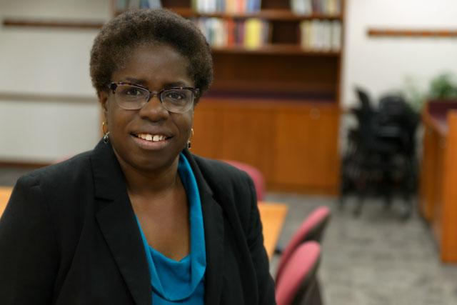 Portrait of UI engineering professor Tonya Peeples