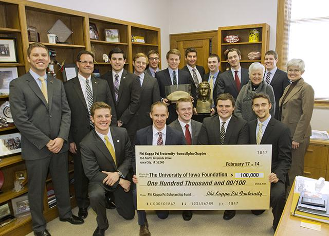 University of Iowa fraternity gives $100,000 to the Nile C. Kinnick Scholarship Fund
