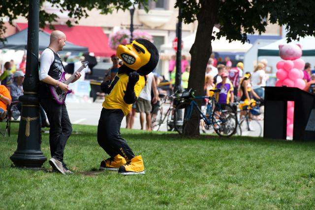 herky rockin' out with guitarist