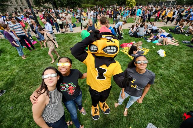 herky at solar eclipse viewing