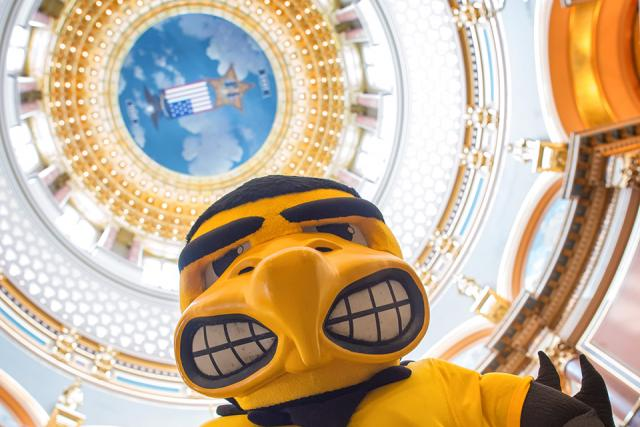 herky in state capitol