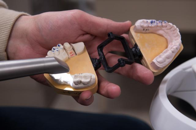 dentistry crown maker
