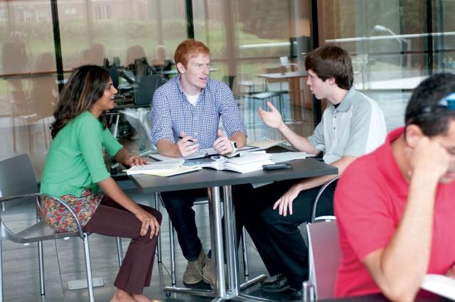 students working together in the college of public health