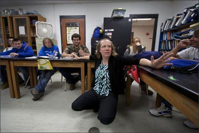 Sara Poeppelman, a science teacher at Lewis County High School in Vanceburg, Ky., incorporates reading and writing activities into her lessons. —Bruce Crippen for Education Week