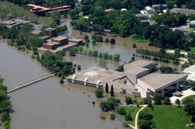 Aerial shot of UI art scampus post 2008 flood