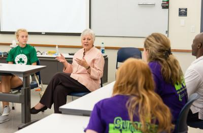 UI President Sally mason speaks with students as part of a leadership seminar at the Belin-Blank Center