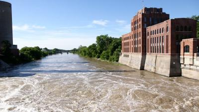 UI's Iowa Flood Center helps control water at local, regional, national levels