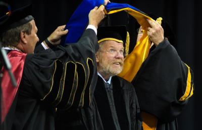 bill bryson at commencement