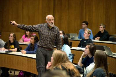 David Osterberg discusses fracking in a public health class