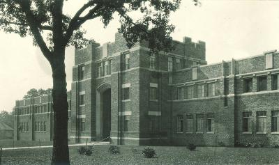 1923 photo of Quadrangle's east entrance