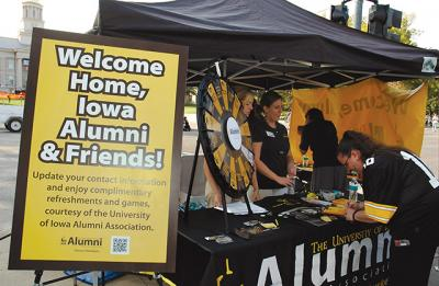 welcome tent for UI alumni
