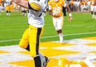 Matt VandeBerg scores a touchdown