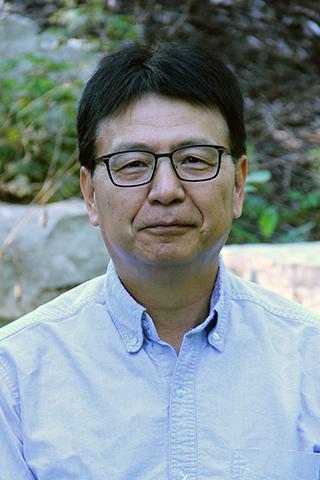 Deng-Fu Guo portrait